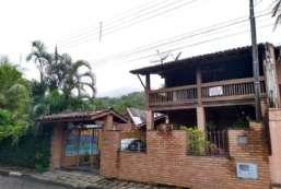 Casa à venda  em Ilhabela/SP - Perequê REF:398